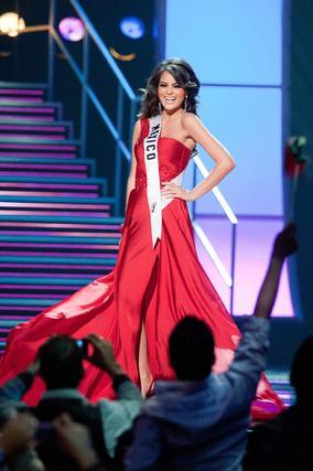 Miss México posa en traje de noche.  Foto: EFE
