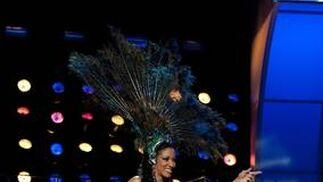 La candidata costarricense a Miss Universo 2010, Marva Wright, desfila con su traje nacional.   Foto: EFE