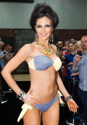 La candidata paraguaya posa en traje de baño.  Foto: EFE