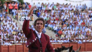 Perera firmó lo más destacado en una mala tarde en general para los toreros en la suerte suprema, Castella se estrelló con un mal lote y los de Hermoso de Mendoza mostraron un juego desigual.