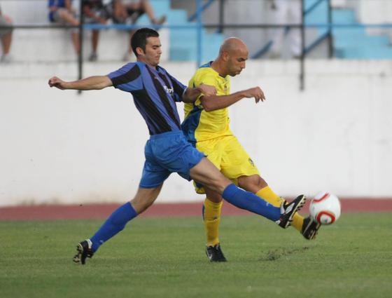 Álvaro Jurado controló el centro del campo sin problemas.   Foto: LOF