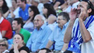 El Jerez Industrial estrena su casillero de victorias gracias al tanto de Fergus Bell. El partido fue apasionante ya que el rival falló un penalty y el árbitro expulsó a los dos guardametas alargando la contienda hasta el minuto 97.  Foto: Manu Garcia