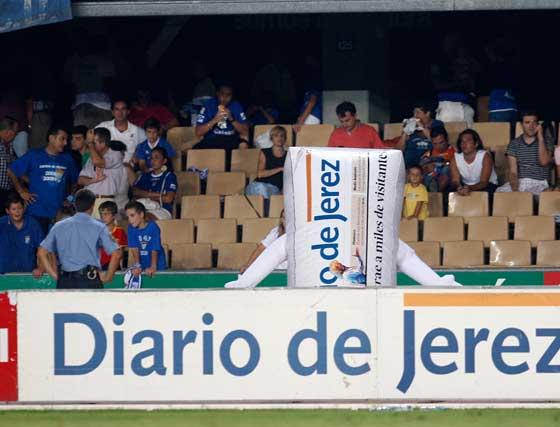 Un encuentro en el que no faltaron ni la presencia de Diarín, la mascota xerecista, ni dedicatorias especiales en las gradas de Chapín.  Foto: Juan Carlos Toro