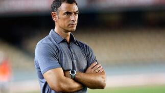El entrenador del Xerez, Javi López, no tuvo reparos en reconocer tras el encuentro que su equipo está peor de lo que esperaba en el apartado físico.   Foto: Juan Carlos Toro