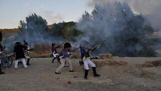 El fuego sembró el estruendo por todo el pueblo   Foto: Ramón Ubric