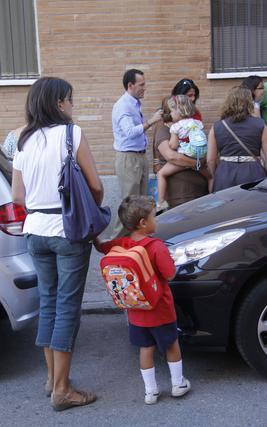 Los menores de los Padres Blancos, en los Remedios, en su primer día de cole.  Foto: Juan Carlos Vázquez