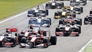 Fernando Alonso refuerza su candidatura al Mundial tras ganar en Monza. / Reuters