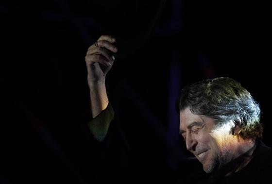 Joaquín Sabina presenta su disco 'Vinagre y rosas' en el auditorio Rocío Jurado. / Antonio Pizarro