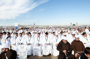 Miles de personas acudieron a la beatificación del fraile limosnero en un acto que se celebró en la base aérea de Armilla. Foto: Jesús Ochando.  Foto: Beatificaci?e Fray Leopoldo de Alpandeire