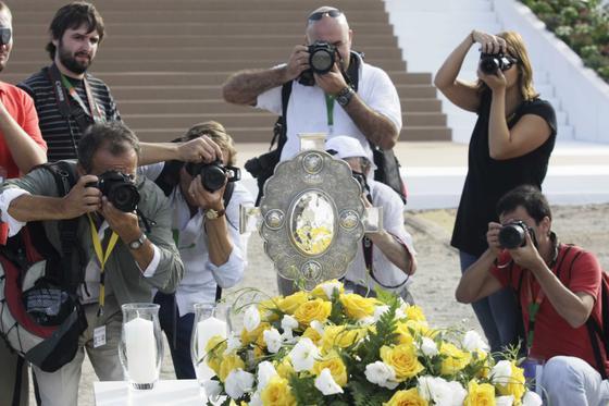 Miles de personas acudieron a la beatificación del fraile limosnero en un acto que se celebró en la base aérea de Armilla. Foto: Miguel Rodríguez.  Foto: Beatificaci?e Fray Leopoldo de Alpandeire