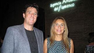 El empresario Luis Orihuela y Begoña Álvarez, ex consejera de Justicia, y actual consejera electiva de la Comisión Permanente del Consejo Consultivo de Andalucía.   Foto: Victoria Ramírez