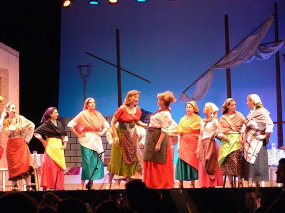 Actrices de la obra 'La Tabernera del Puerto', del Teatro Lírico Andaluz.