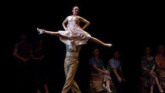 Bailarines de tango argentino en la función 'De Burdel, Salón y Calle'.