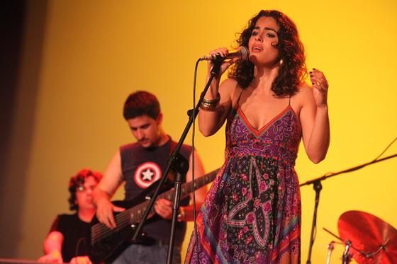 La banda Mokambo, una fusión de flamenco, jazz, candombe y música latina.