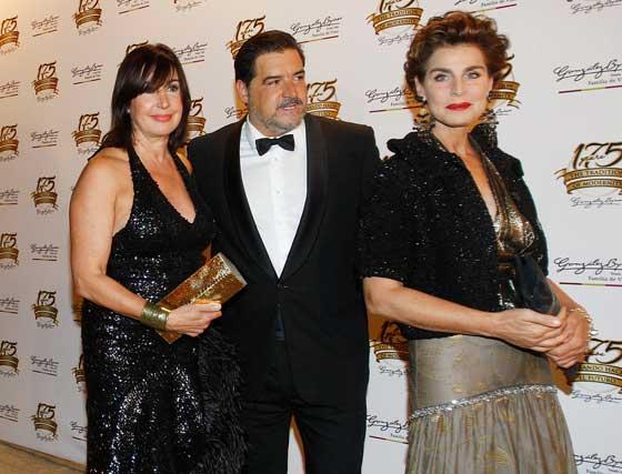 Carmen Martínez-Bordiú, José Campos y Antonia Dell'Atte.  Foto: Pascual