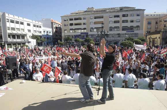 La protesta sindical no paralizó la Comarca, aunque sí tuvo incidencia en la gran industria y el puerto  Foto: Erasmo Fenoy