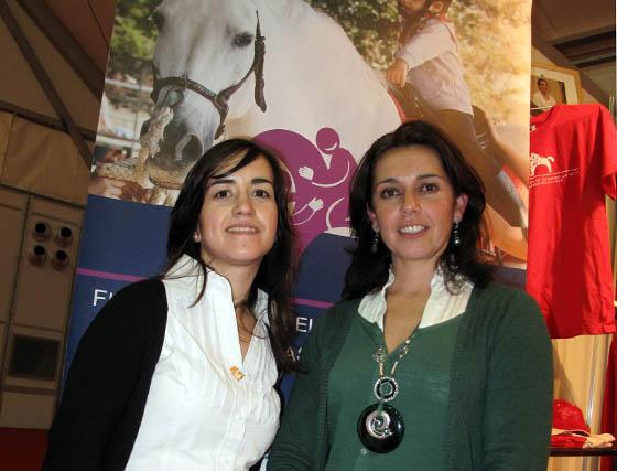 María Guerrero (Federación Andaluza de Hípica), y Sandra de Soto, directora de la Fundación para el Desarrollo de Terapias Ecuestres.  Foto: Victoria Ramírez