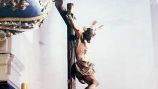 1985. El Cristo del Mayor Dolor de la Bofetá salió por el IV centenario fundacional.