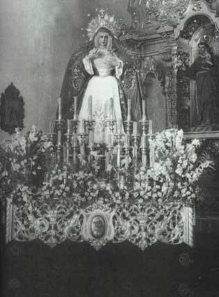 1955. La Virgen de los Dolores del Cerro del Águila, el día de su bendición.