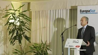 El Presidente del Organismo Público Puertos del Estado, Fernando González Laxe, en un momento de su intervención/Fotos:Erasmo Fenoy  Foto: Erasmo Fenoy