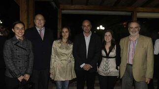 Amalia Puigdengolas y Nicolás Barroso (Cepsa), Rocío García, Pedro García, Estefanía Selva y Luis Romero./Fotos:Erasmo Fenoy  Foto: Erasmo Fenoy