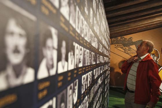 Por la tarde se inauguró en el Baluarte de Santa Catalina la exposición ´Cien años de emoción cadista´.  Foto: Lourdes de Vicente