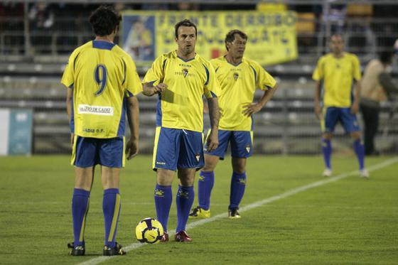 Chico Segundo y Jose González, a punto de sacar de centro.  Foto: Jesus Marin
