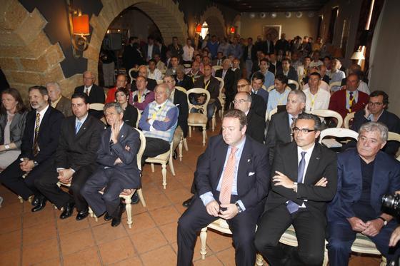 Huguet y varios consejeros, entre los asistentes.   Foto: Jesus Marin