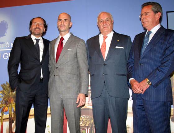 Carlos Rubén Fernández, asesor de la familia Guillén; Álvaro Guillén, director de la Fundación; Juan Ramón Guillén y Antonio Galadí, presidente de la CES.  Foto: Victoria Ramírez