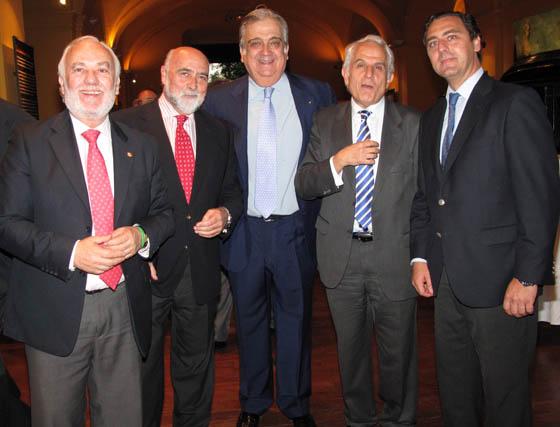 Isaías Pérez Saldaña, presidente de Cartuja 93; Antonio Carrillo, secretario general de la CEA; Juan Salas Tornero, presidente de la Fundación Nao Victoria; Antonio Pascual y Julián García-Borbolla.  Foto: Victoria Ramirez