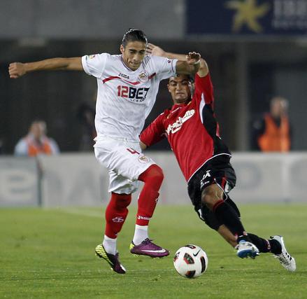 El Mallorca-Sevilla acaba en un empate que no ayuda en los objetivos a ninguno de los dos equipos.  Foto: afp