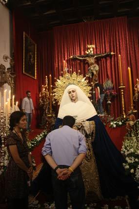 Besamanos y besapiés en el Museo.  Foto: A.S.Carrasco