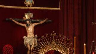 La Virgen de Montserrat y el Cristo de la Conversión en su besamanos.  Foto: A.S.Carrasco
