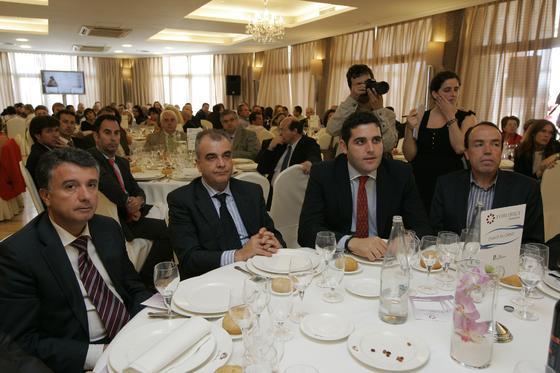 Rafael Úbeda, vicepresidente primero de la Cámara de Comercio, junto a Lorenzo Espinosa, director general del grupo TPM.  Foto: J. Alonso/ R. Gonzalez