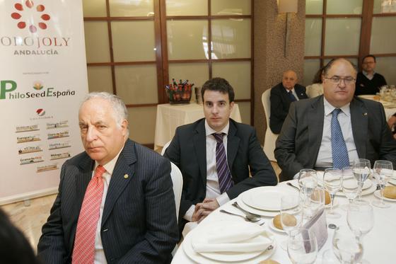 José María Rosell, presidente del Grupo Hoteles Playa acudió acompañado de su hijo y departieron junto al alcalde de Gádor y senador por Almería, Eugenio Gonzálvez.  Foto: J. Alonso/ R. Gonzalez