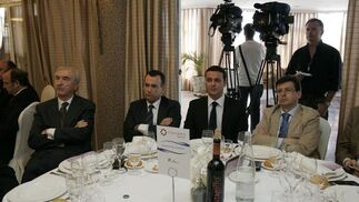 Juan Megino, teniente alcalde del Ayuntamiento de Almería, Pablo Venzal, concejal, Javier Aureliano García, secretario general del PP Almería, y Juan José Matarí, diputado nacional del PP.  Foto: J. Alonso/ R. Gonzalez