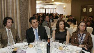 José Luis Ortiz, diputado nacional del PP, Carlos Rojas, alcalde de Motril, Mª Carmen Crespo, alcaldesa de Adra, y Ana María Corredera, vicesecretaria de organización del PP andaluz.