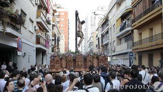 El Cristo de Pasión y Muerte en la calle.  Foto: Juan Carlos Muñoz