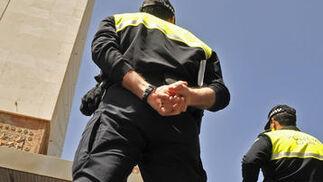 Policías custodian el centro de la ciudad.  Foto: Juan Carlos Vázquez