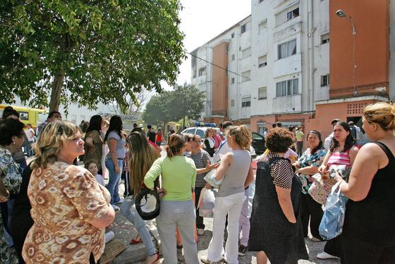 Los vecinos fueron evacuados una vez controlado el riesgo  Foto: Pascual