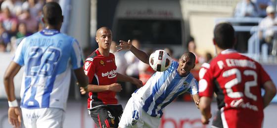 El Málaga CF golea al Mallorca con un doblete de Baptista (3-0)  Foto: Sergio Camacho
