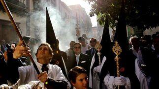 Encendiendo la candelería de la Paz en su Mayor Aflicción.  Foto: Miguel Ángel González