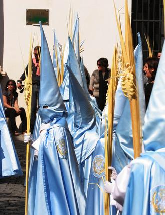 Numerosos niños desfilaron por las calles de la ciudad acompañando a la procesión de La Borriquita./Fotos:Andrés Mora   Foto: Andres Mora