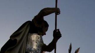 Soberbio contraluz de la Coronación de Espinas.  Foto: Miguel Ángel González