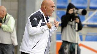 El Recreativo deja casi sentenciada la permanencia tras ganar 0-2 al Numancia. / LOF