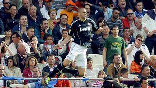 El Real Madrid golea al Valencia a domicilio (3-6). / EFE