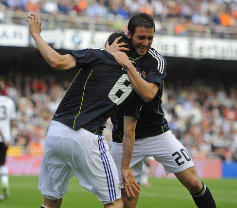 El Real Madrid golea al Valencia a domicilio (3-6). / Reuters