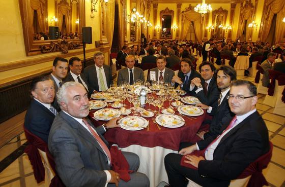 R. Alguacil, M. Peri, E. Almirón, D. García-Ibarrola, J. A. Cid, F. Bocero, J. Alcántara, J. Gisbert, Ó. Lozano, F. J. Laguna y D. Suárez.