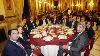 P. Roas, I. Roldán, A. Cueto, J. M. Martín, J. M. Álvarez, J. Merino, R. Salgueiro, R. Lovera, R. Palacio, C. Carrasco, M. del Campo y J. M.Moreno-Manzano.