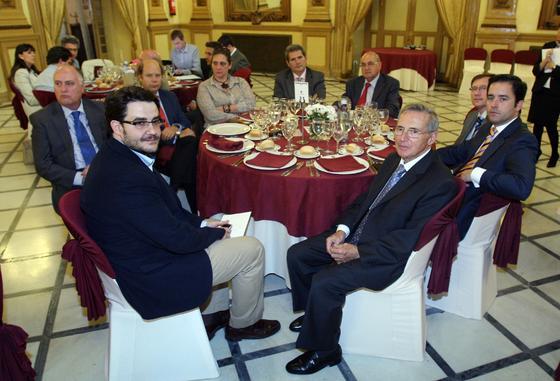 J. Cabello, R. Arenas, A. Espejo, J. Criado, P. Montero, María José Ruiz, L. Galán, J. Tapiador y L. J. Trillo.